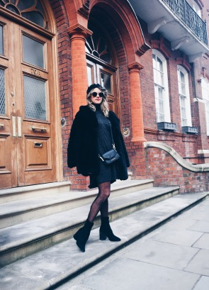Coat: Zara, Dress: Asos, Tights: Calzedonia, Shoes: Asos, Bag: Karl Lagerfeld, Sunglasses: Dior, Beret: Topshop